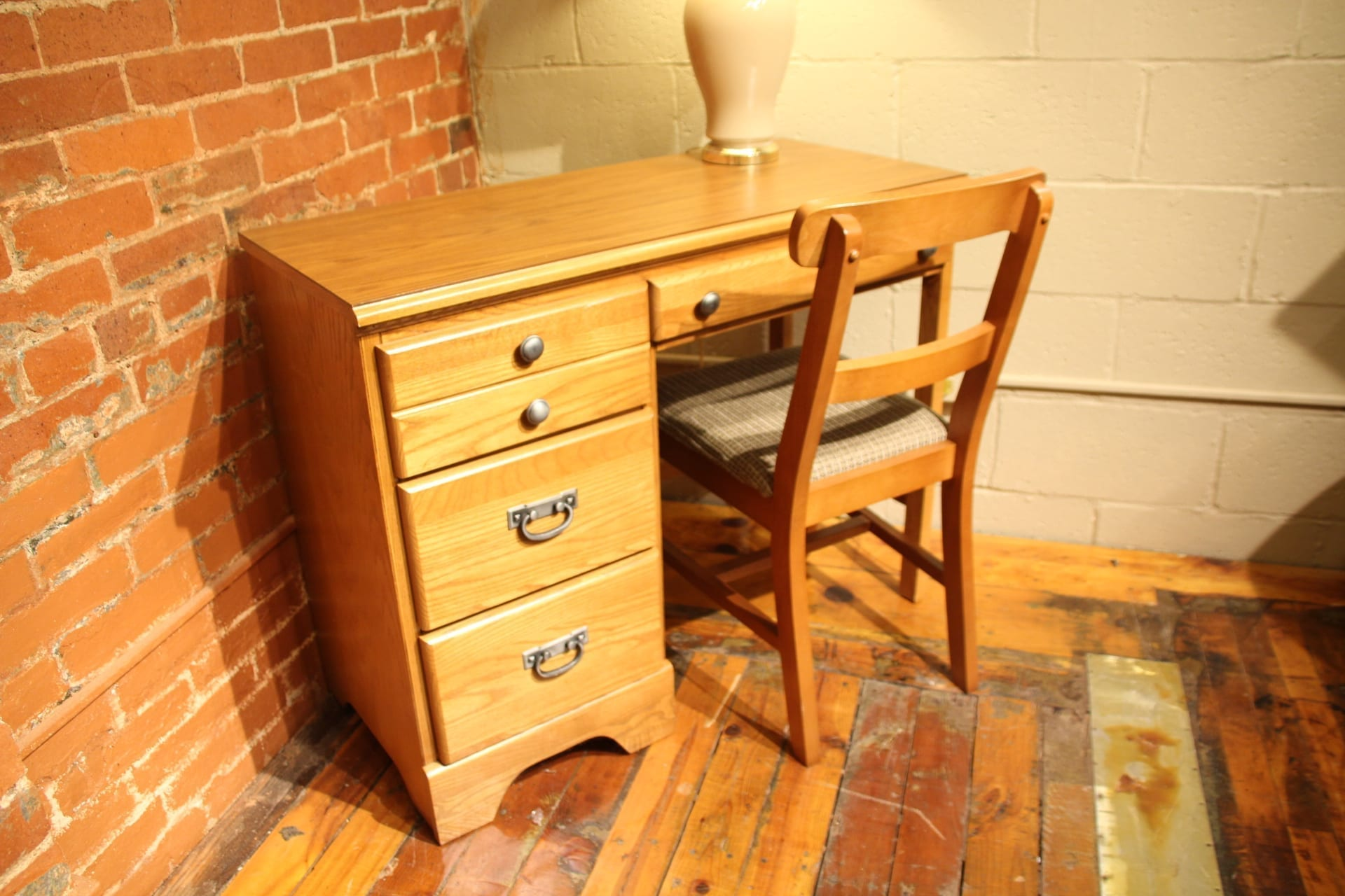 Creekside Student Desk & Chair
