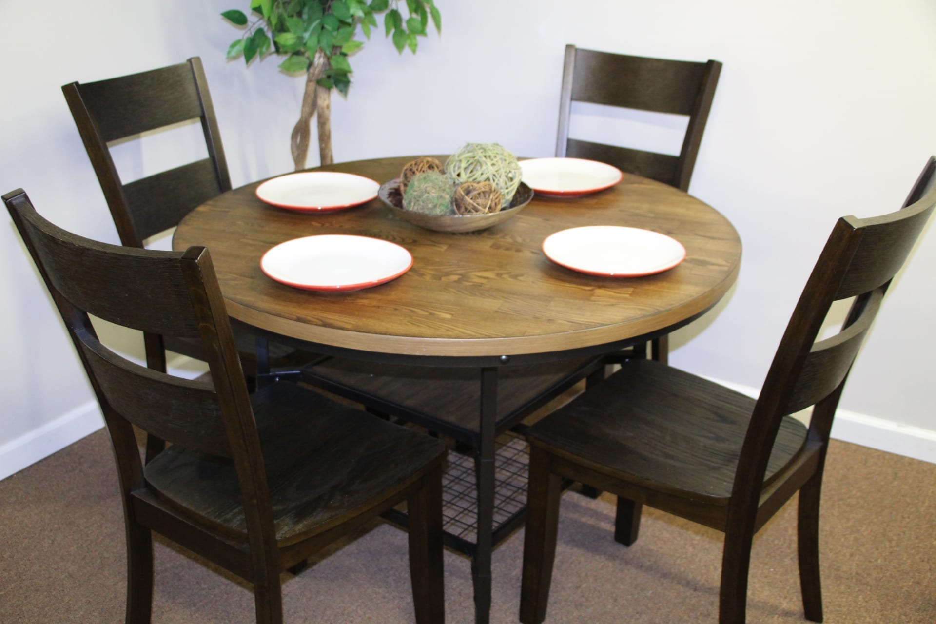 dinette set available for lease Pittsburgh Furniture Leasing