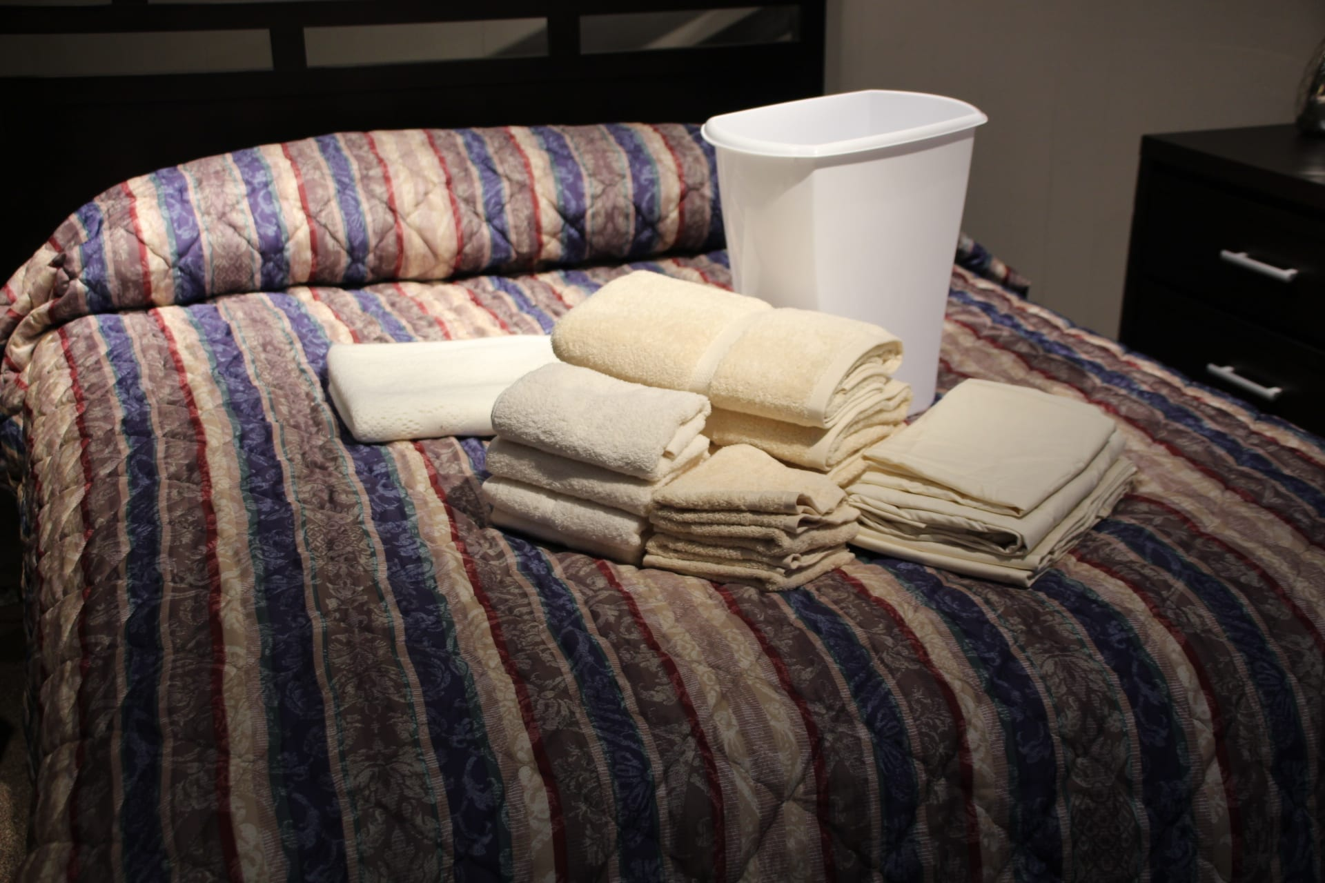 Linen package available for lease at Pittsburgh Furniture Leasing